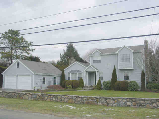 SOUTH KINGSTOWN – Howard – Green Hill – 4 bedrooms