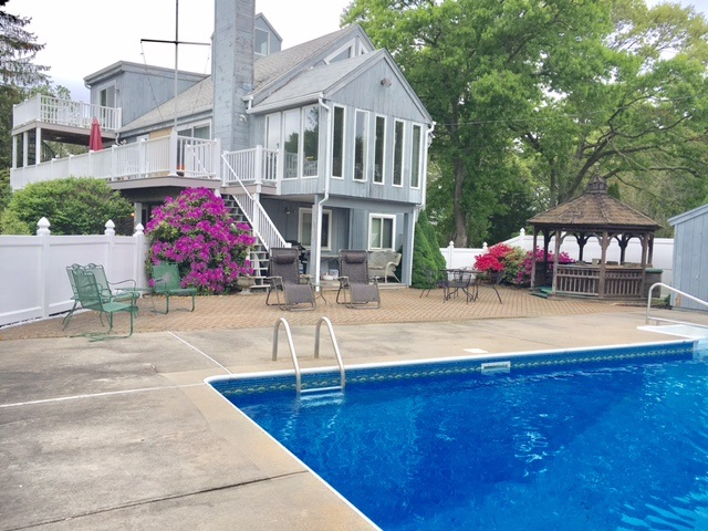 CHARLESTOWN – Gaudette/Wojcik – 3 bedrooms 2 baths  – Inground pool (2021)